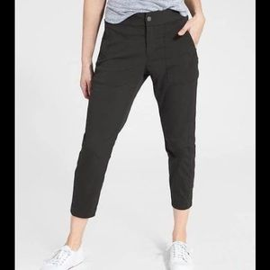 NWT Athleta Trekkie Crop Pants